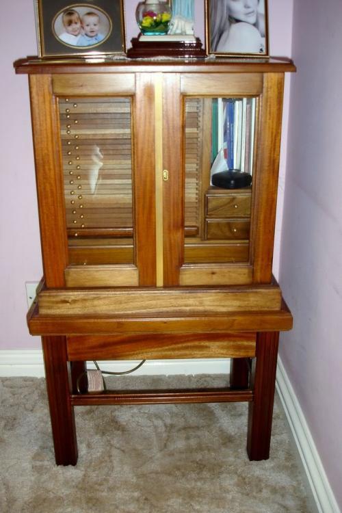 cabinet001.thumb.jpg.2a9ba1681e985d9950e