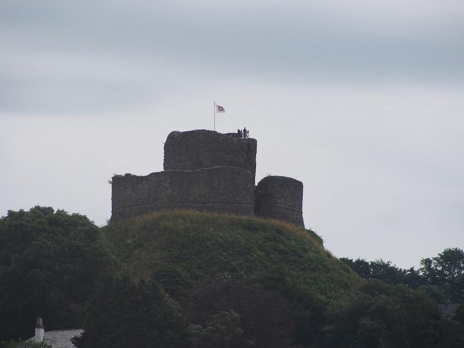 Launceston Castle Resize.jpg